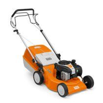 STIHL RM 248.1 T könnyen kezelhető benzinmotoros fűnyíró, fix sebességű meghajtással, 46 cm munkaszélesség